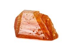 Камень турмалина макроса минеральный на белой предпосылке стоковая фотография