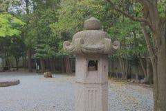 камень японского фонарика сада Стоковые Фото