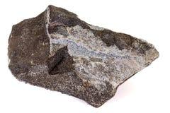 Камень Aegirine макроса в charoite на белой предпосылке стоковые изображения rf