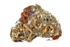 Камень Mimetite макроса минеральное на белой предпосылке стоковое изображение rf