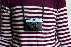 Камера и женщина Lomography стоковые фотографии rf