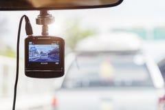 Камера рекордера перед автомобилем для безопасности на дороге стоковые изображения