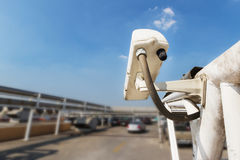 Камера слежения или CCTV на автостоянке Стоковая Фотография RF