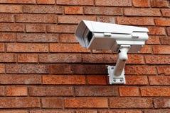 Камера слежения на кирпичной стене Стоковое Изображение