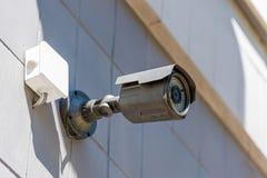 Камера слежения на стене, концепции системы безопасности Стоковые Фотографии RF