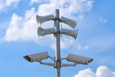 Камеры слежения и громкоговорители CCTV Стоковые Фото