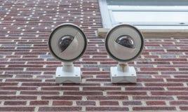 Камеры слежения, CCTV 2 на кирпичной стене Стоковые Фотографии RF