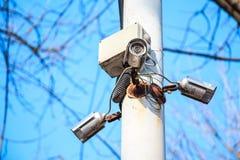 Камеры cctv безопасностью на поляке Стоковые Фотографии RF