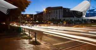 Камеры CCTV на загоренной дороге в городе Стоковые Изображения RF