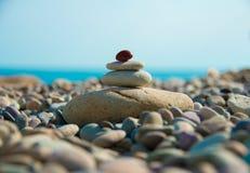 Камешки моря на побережье Стоковые Фото