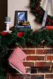 Камин рождества с елью ветви Стоковое Изображение