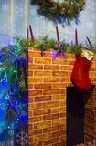 Камин рождества с орнаментами Стоковая Фотография