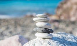 Камни баланса раздумья дзэна стоковые изображения