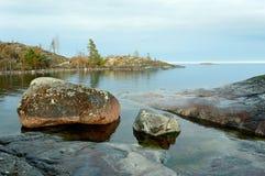 камни влажные стоковые фотографии rf