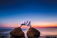 Камни в море стоковое изображение rf