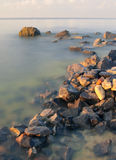 Камни в море стоковые изображения rf