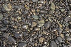 камни голубого моря камушка выдержки длиннего шелковистые развевают Стоковые Фото