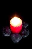 Камни Дзэн и ароматичные свечи. Стоковые Фотографии RF