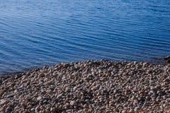 Камни и вода стоковые изображения rf