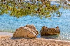 Камни морем Стоковая Фотография