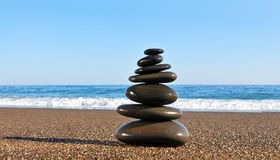 камни моря пирамидки свободного полета которые Стоковые Изображения RF