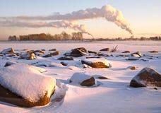 Камни на банках реки Ob зимы стоковые фотографии rf