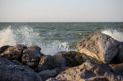 Камни на береге стоковая фотография rf