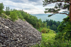 Камни на наклоне Стоковые Фото