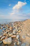 Камни на пляже океана Свободный полет Балтийского моря стоковая фотография