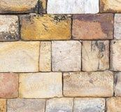 Камни на стене башни Qutub Minar стоковая фотография rf