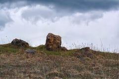 Камни на холме Стоковое Фото