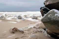Камни, снег, море Стоковое Фото