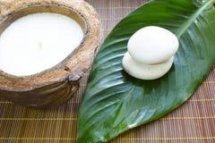 камни спы кокоса свечки Стоковое Изображение