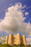 Камни Apulia Castel del Monte: главный фасад - ИТАЛИЯ (Andria) - Стоковые Изображения