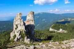 Камни Ladys, горы Rarau - Pietrele Doamnei, Muntii Rarau Стоковые Изображения RF
