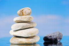 камни seacoast кучи Стоковые Фото