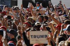 Кампании Дональд Трамп кандидата в президенты GOP в Сакраменто, Стоковая Фотография