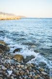 Камушки и волны Стоковые Изображения RF