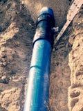 Канава для класть трубопровод Конструкция труб питьевой воды стоковая фотография rf