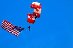 канадская команда парашюта Стоковое фото RF
