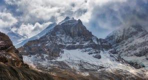 Канадские скалистые горы - Андромеда держателя, бульвар Icefields Стоковые Изображения RF