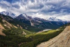 Канадские скалистые горы - бульвар Icefields Стоковое фото RF