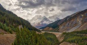 Канадские скалистые горы - бульвар Icefields Стоковое Изображение