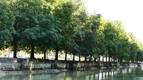 Канал в Реймсе, в Франции сток-видео