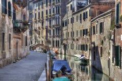 Канал и дома в Венеции, Италии стоковая фотография rf