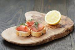 Канапе с семгами, укропом и лимоном Стоковое Изображение RF