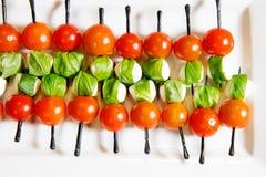 Канапе томатов вишни ресторанного обслуживании Стоковое Фото