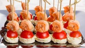 Канапе хлеба томата креветки Стоковые Фото
