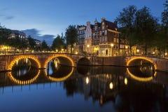 Канал Амстердама к ноча стоковое изображение rf