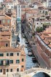 Канал Венеции и красные крыши Стоковое Изображение
